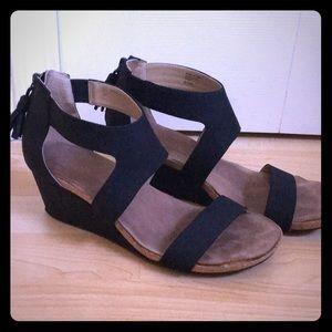 Black Adrienne Vittadini Wedges w/ Tassel & Zipper